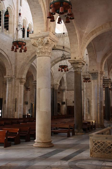 Interno Basilica San Nicola
