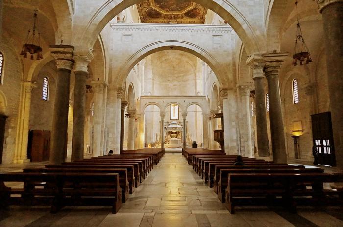 Risultati immagini per basilica di san nicola bari